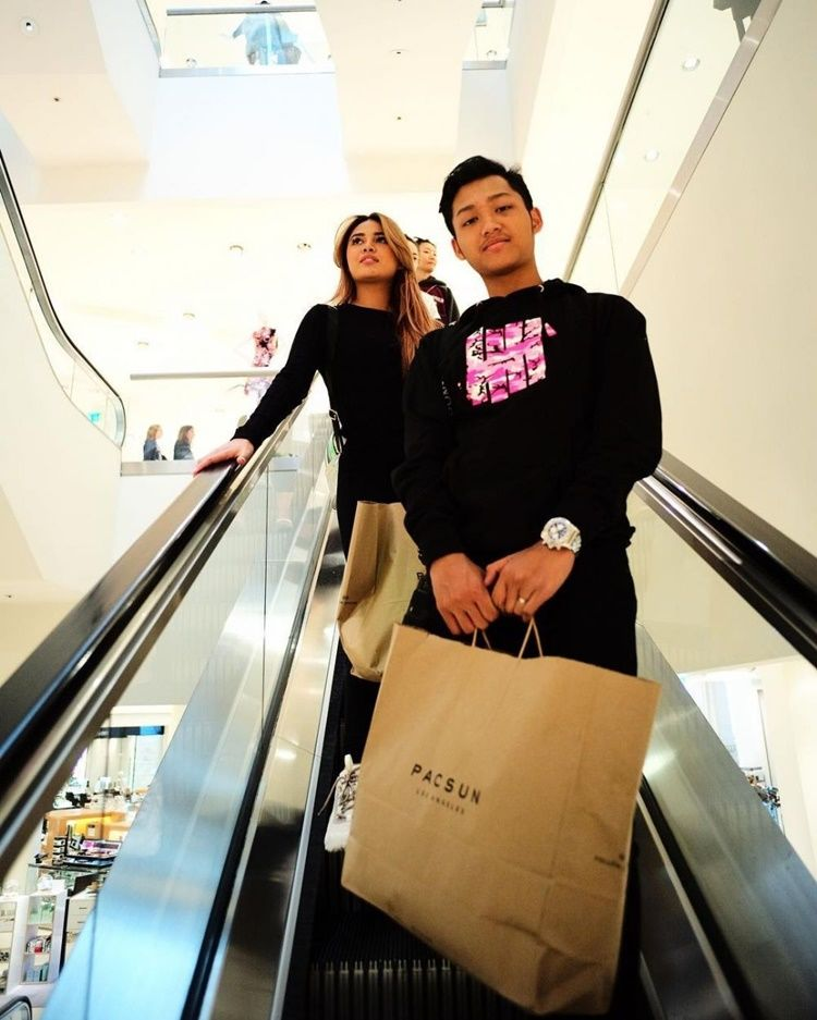 Sibling Goals! 10 Potret Kedekatan Aurel Hermansyah dan Azriel