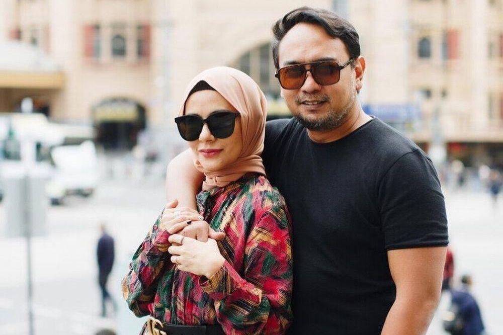 Panutan! 10 Pasangan Seleb Ini Sudah Menikah Lebih dari 15 Tahun
