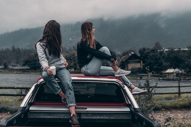 Anti Drama, Ini 6 Alasan Aquarius Adalah Sosok Sahabat Terbaik
