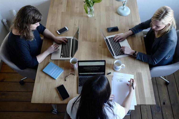 Lakukan 5 Hal ini Saat Mengalami Pelecehan Seksual di Tempat Kerja