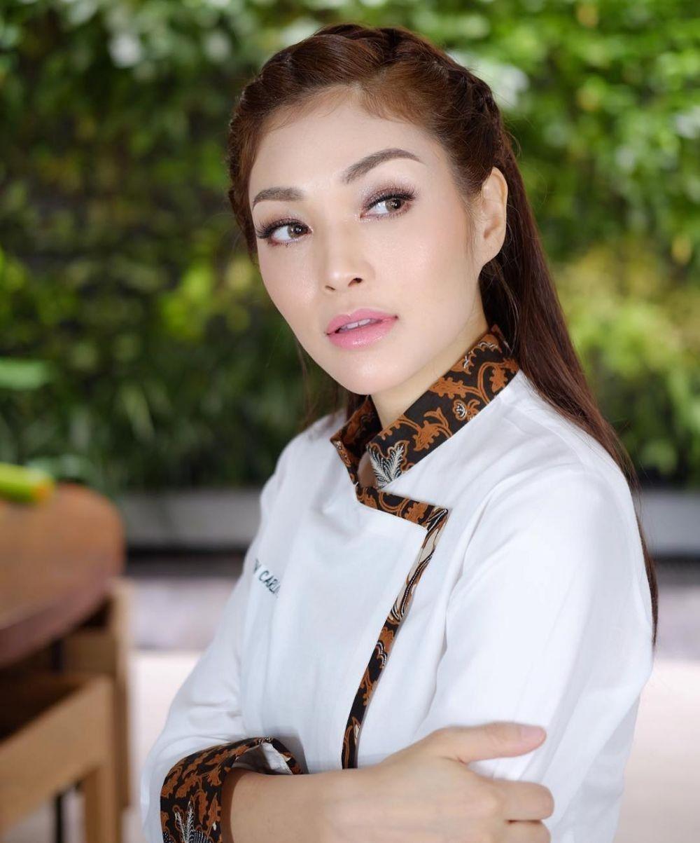 11 Pesona Karen Carlotta, Chef Hits yang Jago Bikin Cake
