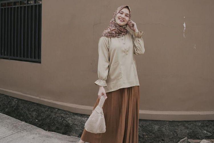 Saatnya Tiru Gaya Manis Selebgram Indonesia Pakai Hijab Motif