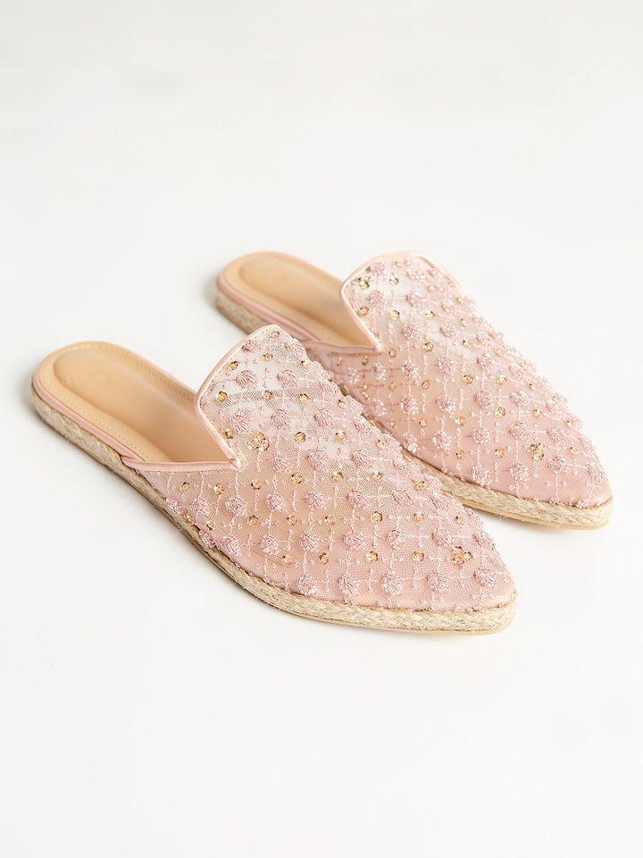 #PopbelaOOTD: Sepatu yang Cocok Kamu Gunakan untuk Garden Party