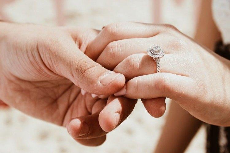 Kisah Nyata: Rahasia Pernikahan Langgeng Sampai 50 Tahun