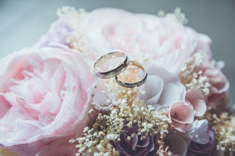 7 Panduan Memilih Cincin Pertunangan dan Pernikahan