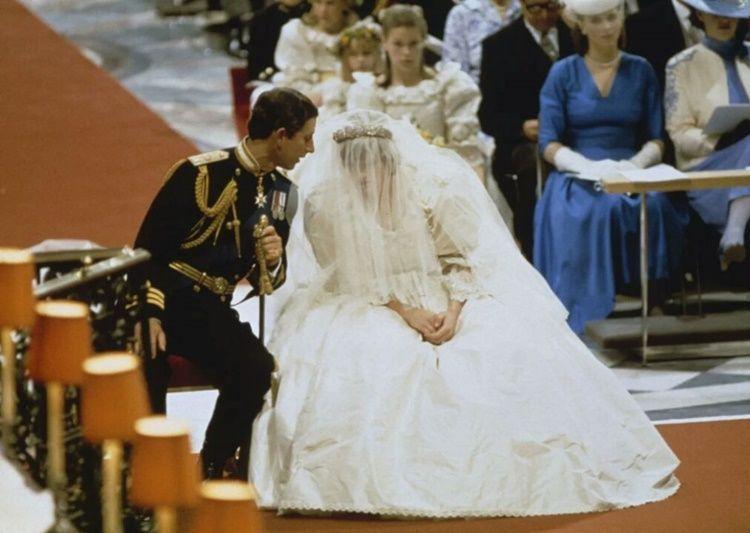 13 Foto Kenangan Royal Wedding Putri Diana dan Pangeran Charles