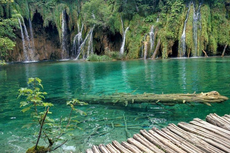 10 Lokasi Indah di Bumi yang Harus Dikunjungi Sesekali dalam Hidupmu