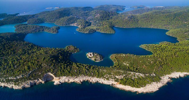 10 Pulau Eksotis di Kroasia yang Menjadi Daya Tarik Wisatawan