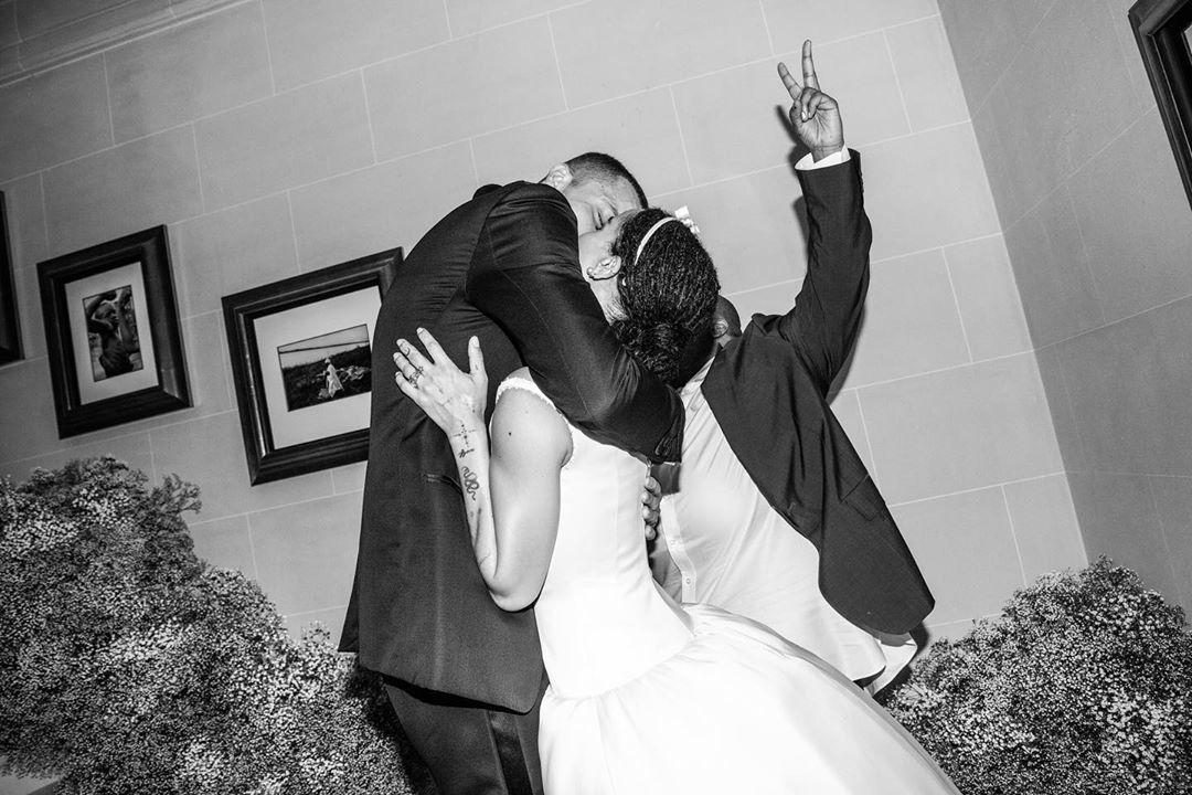 Menikah Diam-diam, Zoe Kravitz Akhirnya Rilis Foto-foto Pernikahannya