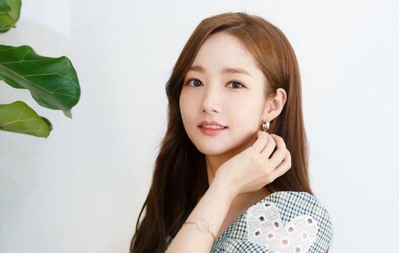 Selalu Tampil Fresh, Ternyata Ini Makeup Andalan Para Artis Korea