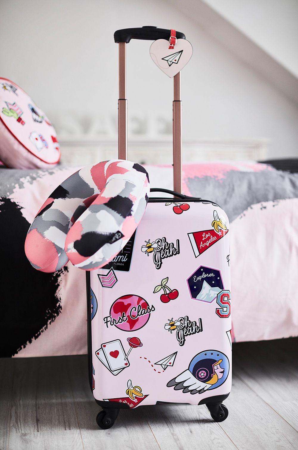 Mau Travelling? Ini Cara Membuat Pakaian Nggak Kusut Dalam Koper
