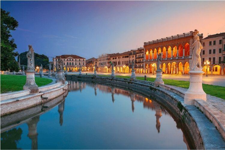 8 Tempat di Italia Ini Wajib Kamu Kunjungi Sebelum Dipenuhi Wisatawan