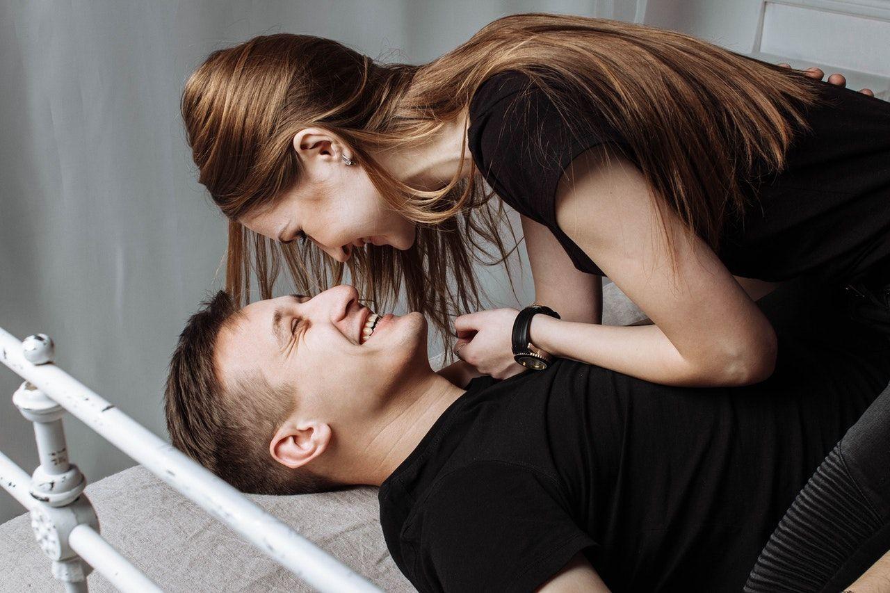 Kata Zodiak, Ini Alasan Kamu Jatuh Cinta Pada Seseorang