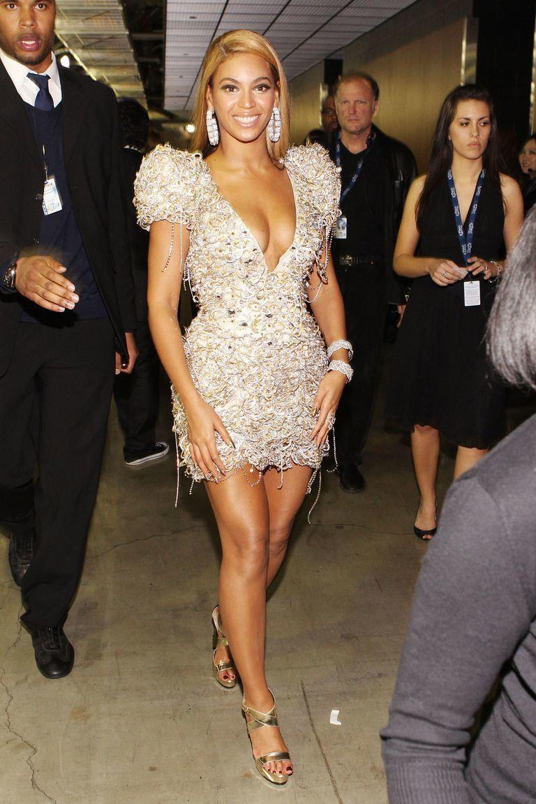 Hobi Pamer Lekuk Tubuh, Ini Gaya Paling Seksi Beyoncé!