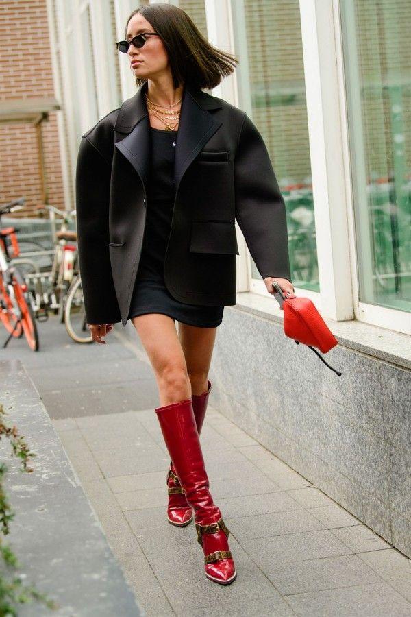 Inspirasi OOTD memakai sepatu bot tinggi