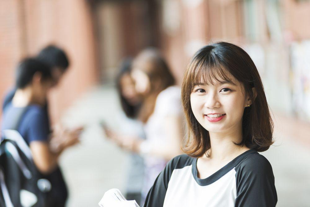 5 Tips Tampil Natural A la Cewek Korea, Cocok untuk ke Kampus!