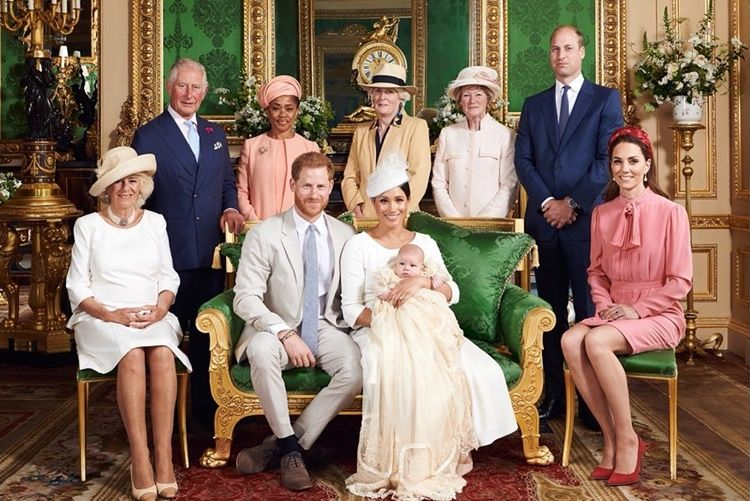 Pangeran Harry & Meghan Markle Umumkan Mundur dari Kerajaan Inggris