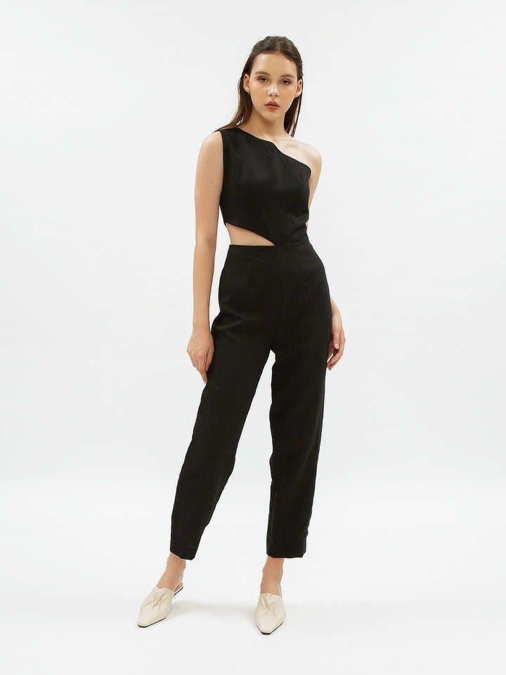 #PopbelaOOTD: Jumpsuit Manis untuk Outfit di Akhir Pekan