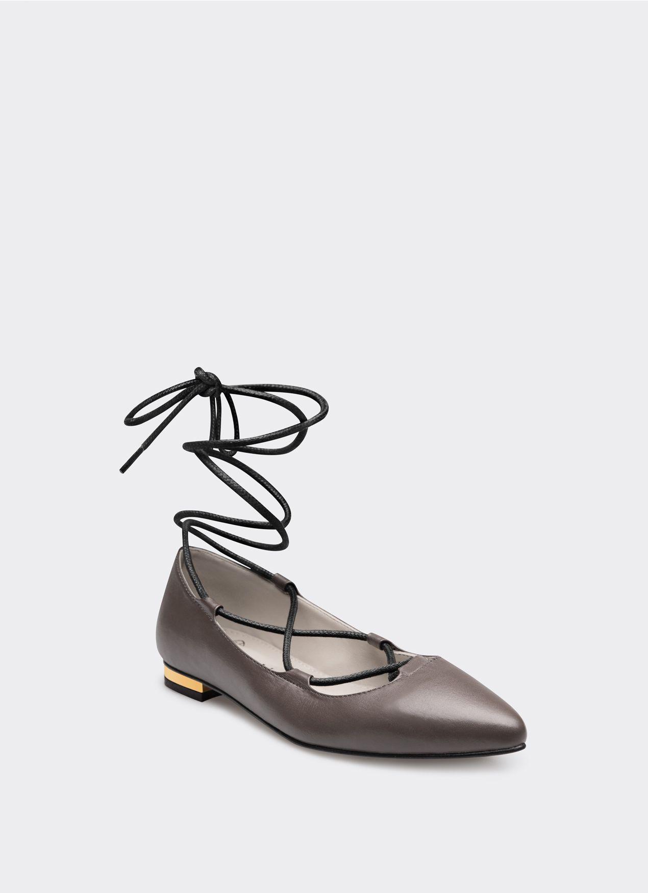 #PopbelaOOTD: Saatnya Tampil Maksimal dengan Flat Shoes