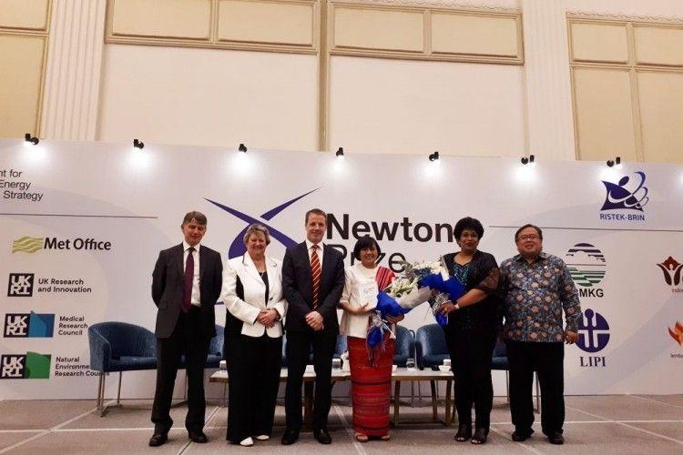 Bangga! Riset Dr Harkunti Rahayu Berhasil Menangkan Newton Prize 2019