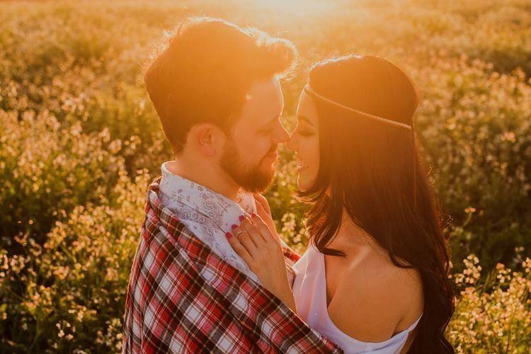 5 Hal yang Bisa Kamu Lakukan Saat Rindu Pasangan LDR