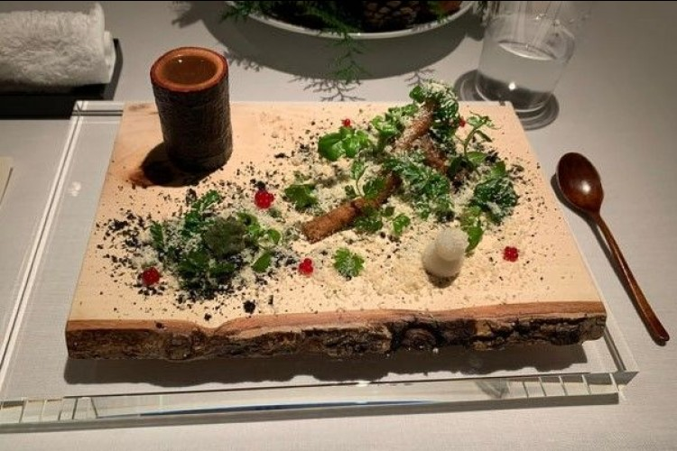 Aneka Penyajian Makanan Unik, Mau Coba?