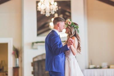 13 Lagu Romantis Wedding Dance Hari Pernikahan Kamu