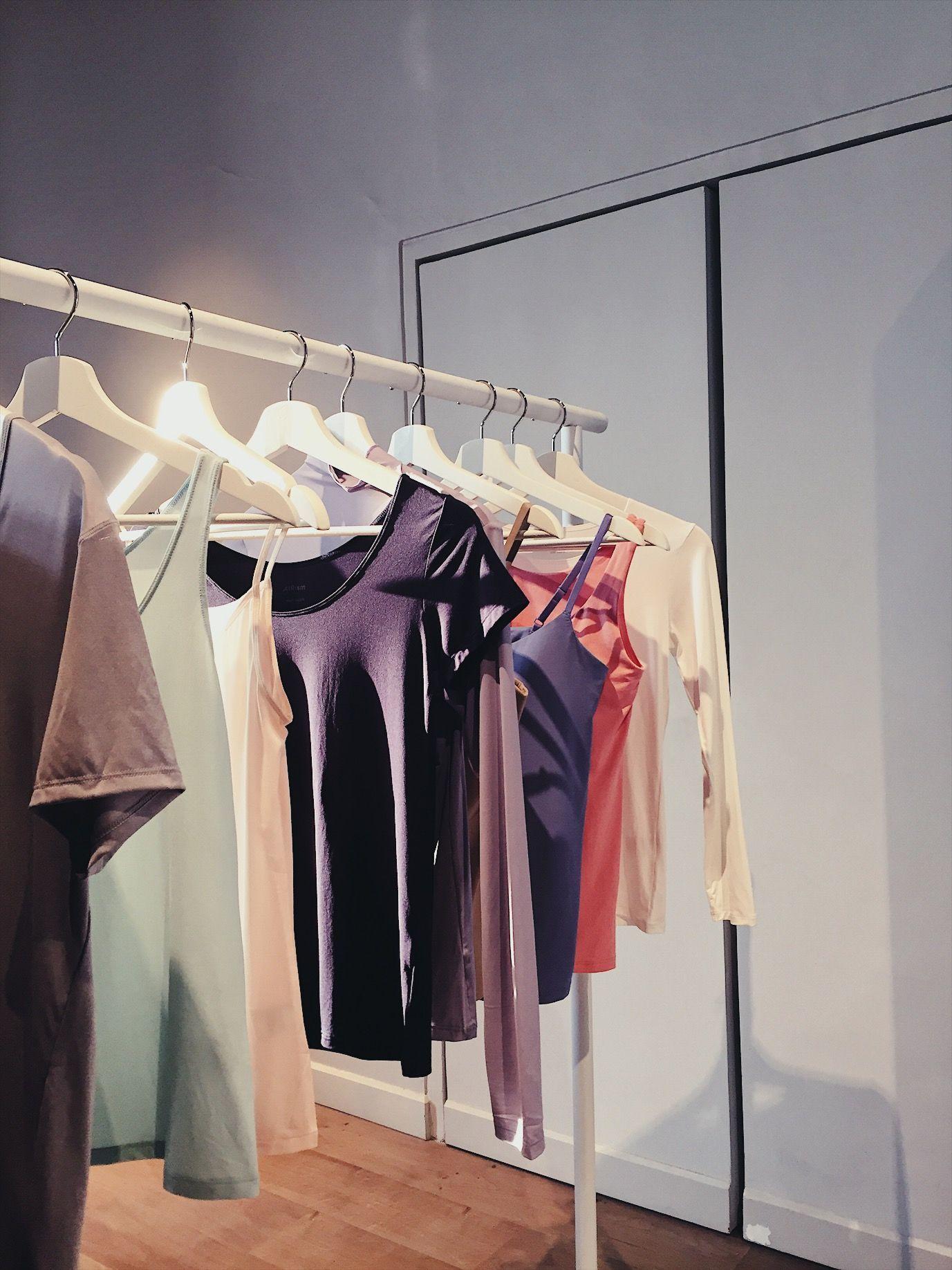 Warna-Warni Penuh Semangat di Koleksi UNIQLO Spring/Summer 2020