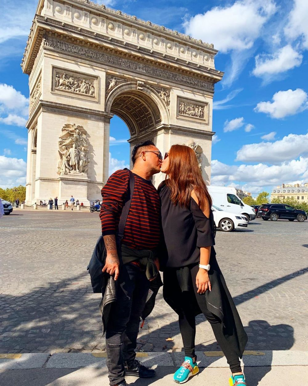 Rayakan 4 Tahun Menikah, 10 Potret Mesra Feby Febiola-Franky Sihombing