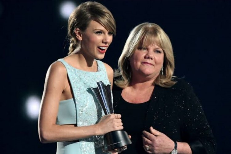 Idap Kanker Payudara, Ibu Taylor Swift Juga Didiagnosis Tumor Otak