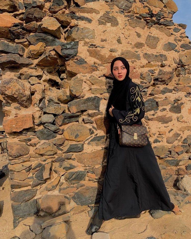Dekat dengan Ali Syakieb, 9 Foto Margin Wieheerm yang Curi Perhatian
