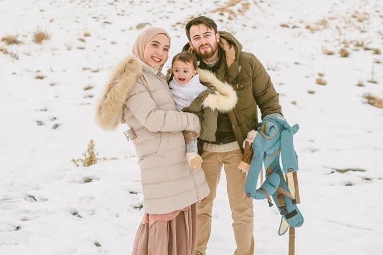 10 Potret Bahagia Keluarga Irvan Farhad & Hamidah Rachmayanti, Gemas!