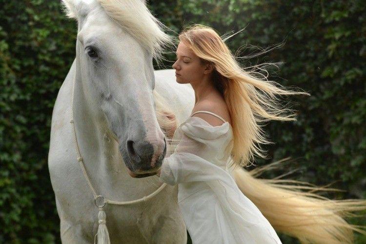 Ramalan Cinta Shio Kuda di Tahun 2020, Siap Bertemu yang Baru
