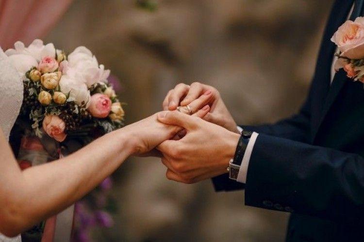 Nggak Usah Pakai Kode, Ini Cara Ajak Pasangan untuk Menikahimu