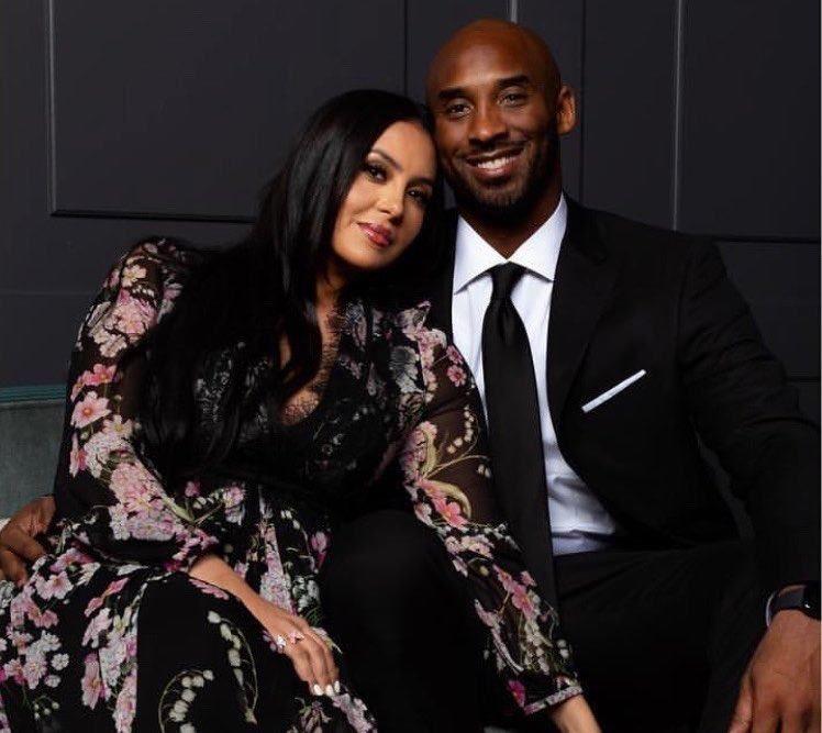 10 Potret Manisnya Mendiang Kobe Bryant Bersama Istri dan 4 Putrinya
