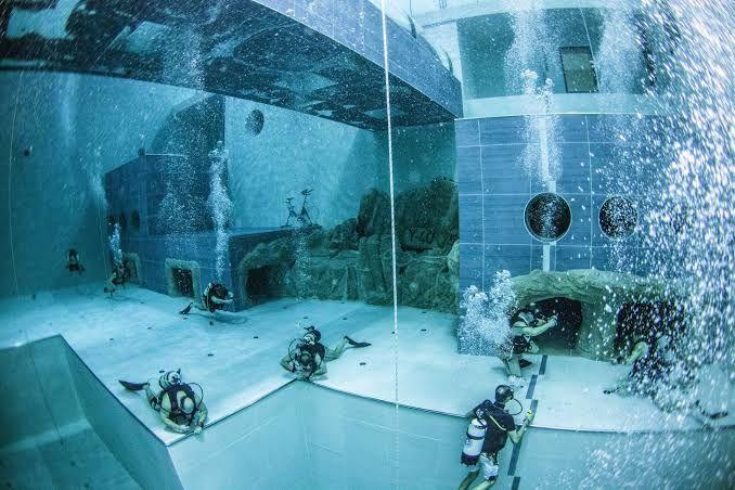 Penampakannya Kolam Renang Terdalam di Dunia