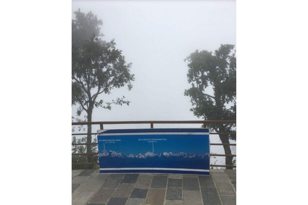 10 Foto Mengecewakan Saat Turis Berkunjung ke Lokasi Wisata Terkenal