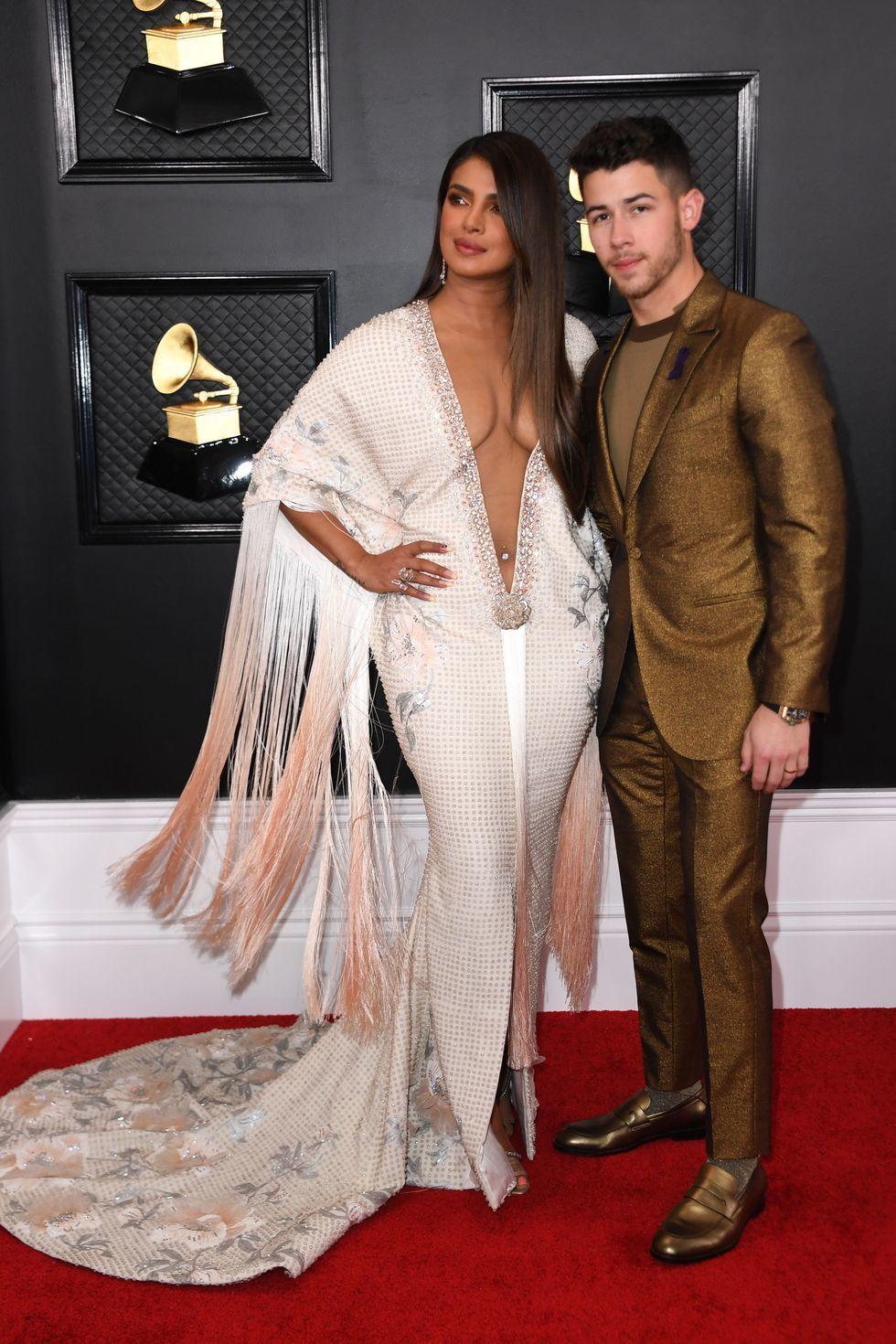 Pamer Tubuh, Ini Gaya Seksi Seleb Hollywood di Grammy Awards 2020