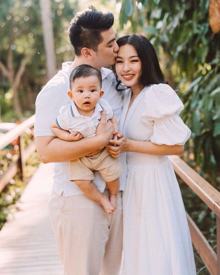 Sosok Family Man, 10 Potret Perjalanan Cinta Chef Arnold dan Istri