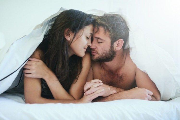 Puas Maksimal! 8 Posisi Mampu Stimulasi Klitoris dan G-Spot Sekaligus