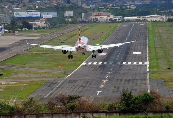 Bikin Parno, Ini 7 Bandara Paling Berbahaya di Dunia