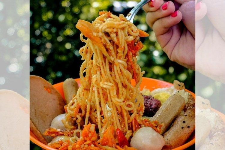 7 Tempat Makan dengan Menu Super Pedas di Jakarta, Yakin Kuat?