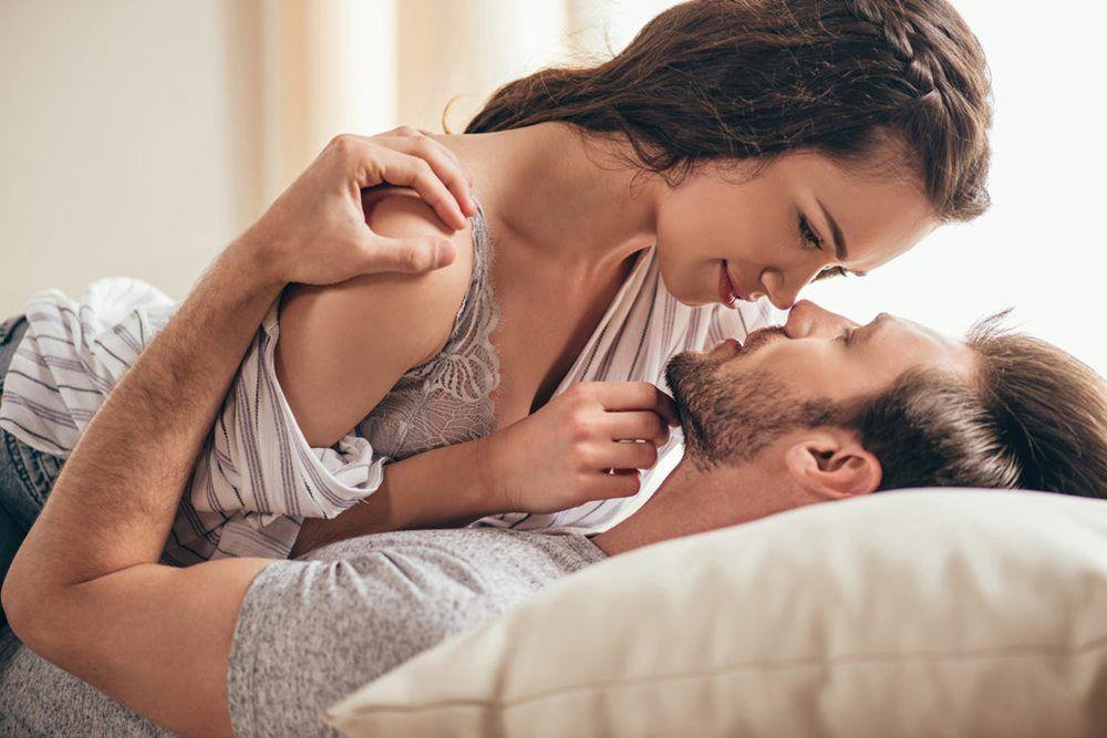 Posisi Seks yang Bisa Kamu Coba Bareng Pasangan di Hari Valentine