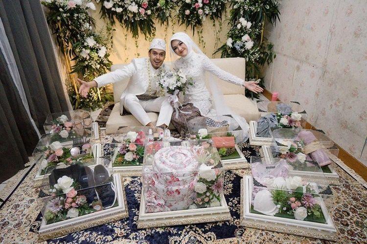 9 Foto Pernikahan Ana Riana, Pemeran Rinjani di Tukang Ojek Pengkolan