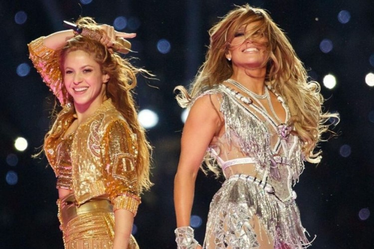 Sukses Duet Di Atas Panggung, Begini Gaya Makeup Shakira dan JLo