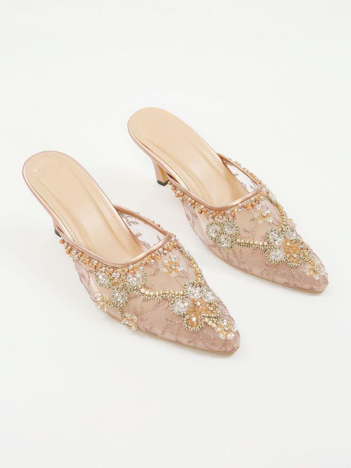 #PopbelaOOTD: Saatnya Tampil Cantik dengan Heels saat Hari Valentine