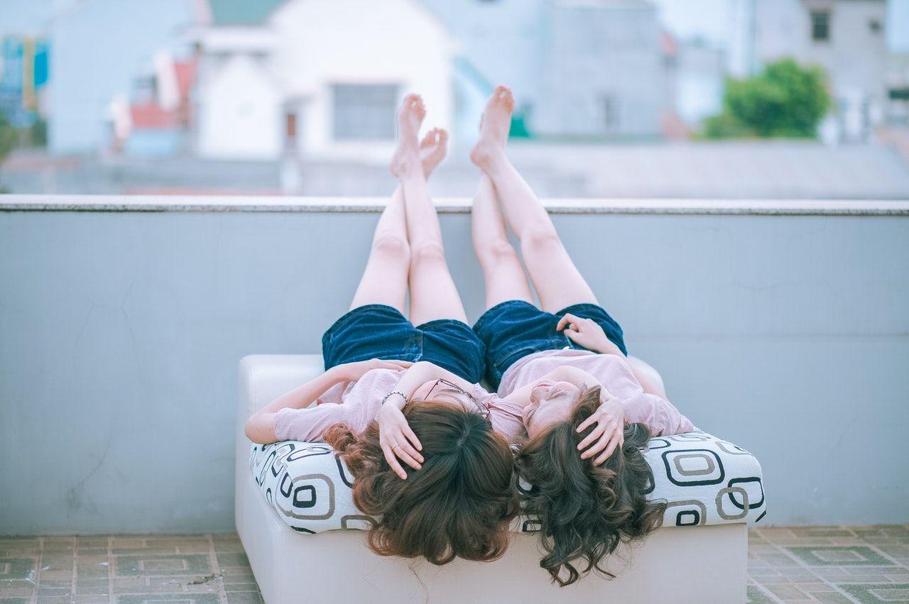 5 Tips Menghadapi Teman yang Selalu Curhat Soal Masalah Hubungannya