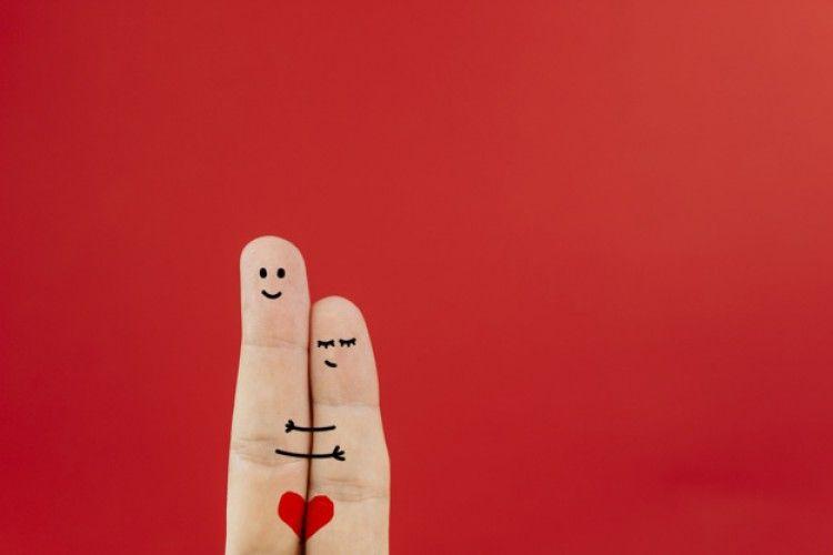 Momen ini Gambarkan Bahwa Kamu Jatuh Cinta