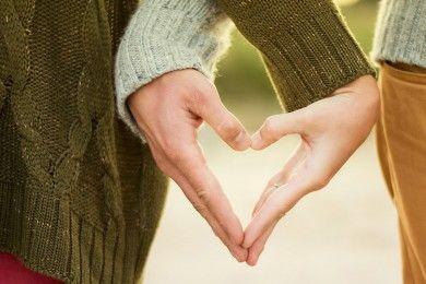 Deretan Pertanyaan Lebih Mengenal Kamu Pasangan