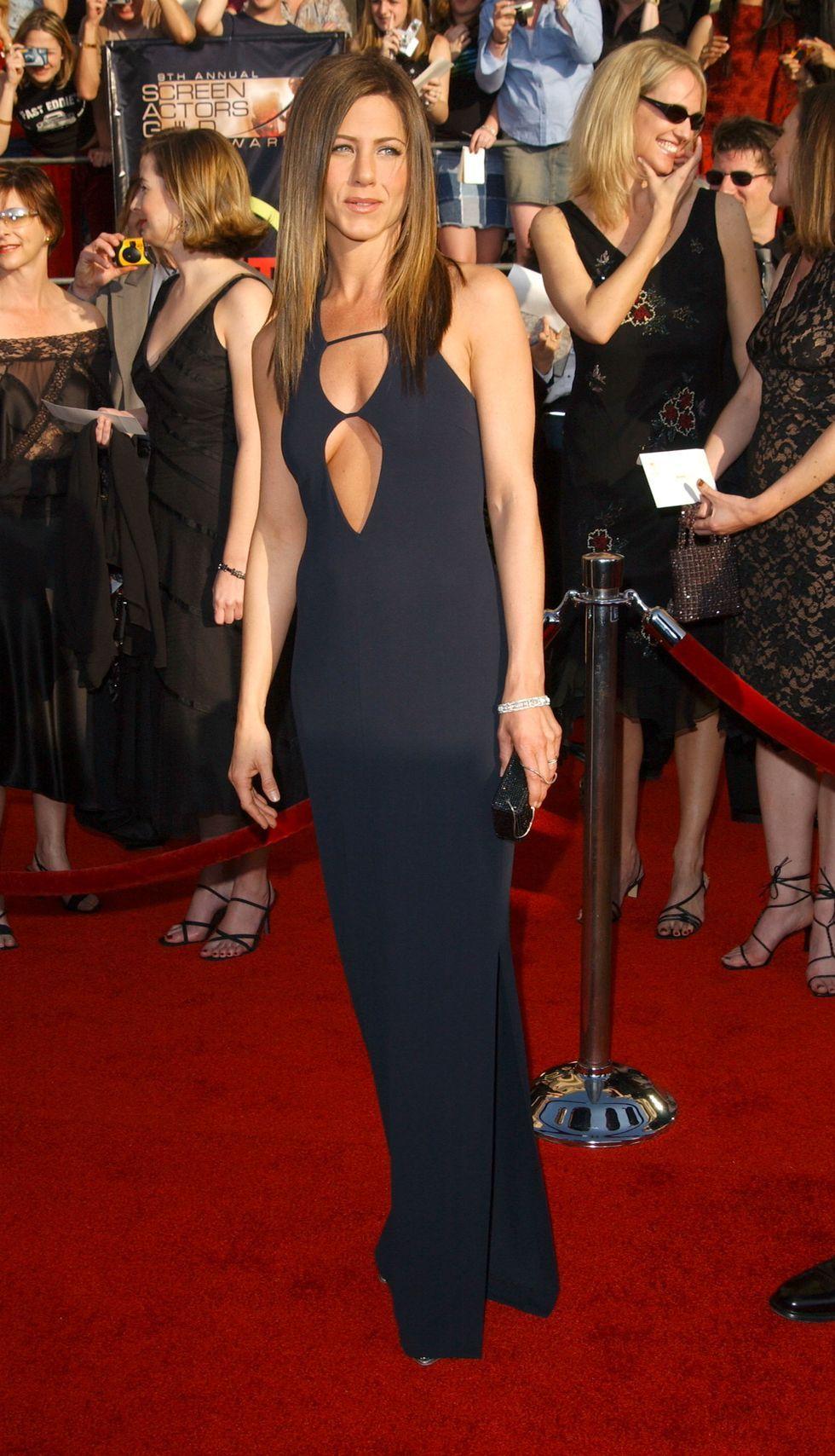 Memasuki Usia 51 Tahun, Begini Gaya Seksi Jennifer Aniston